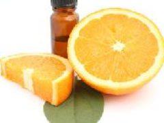 Эфирное масло апельсина поднимает настроение