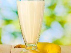 Банановый смузи с кокосовым молоком
