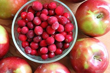 клюква и яблоки