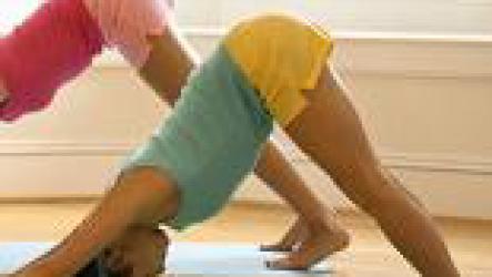 Помогает ли йога похудеть.