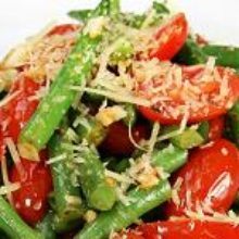 Салат из стручковой фасоли с пряными травами
