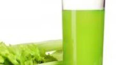 Сок сельдерея как средство борьбы с усталостью.