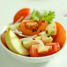 Салат с яблоками и помидорами
