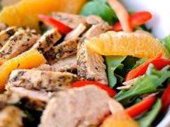 Вкусный салат с курицей и апельсинами удивляет гостей
