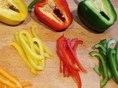 Как нарезать перец соломкой— инструкция для начинающих
