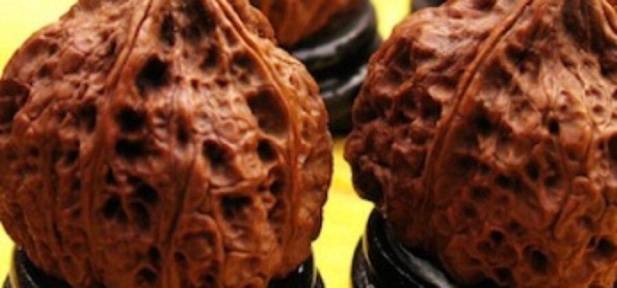 Упражнение с грецкими орехами упражняет мозг и замедляет старение