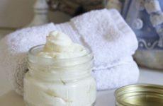 Домашний крем для тела на основе кокосового масла.