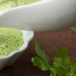 Рецепт зеленого соуса на каждый день— вкусно зимой  и летом