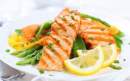 порция лосося на обед
