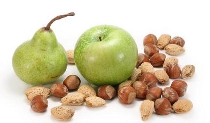яблоко и орехи