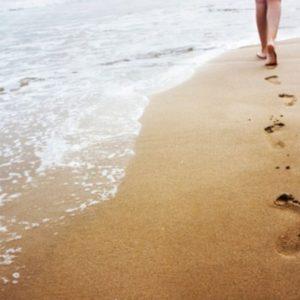 Как сделать классный скраб для ног. Морская соль, мята, чайное дерево.