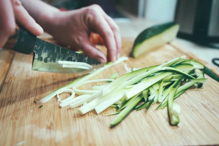 как нарезать кабачок